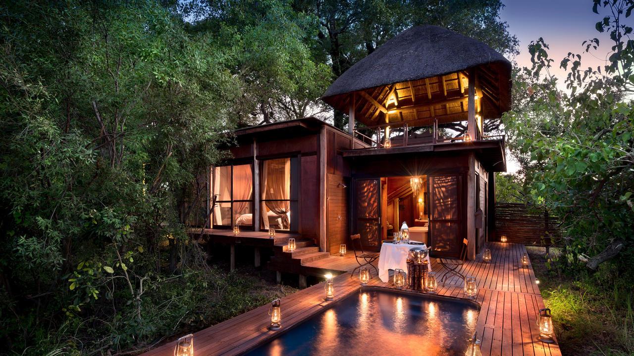 andbeyond-xudum-okavango-delta-lodge-in-botswana.jpg