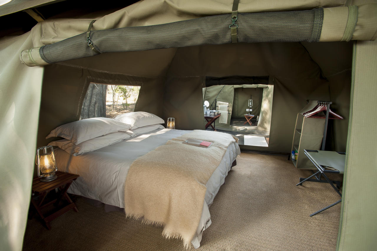 expeditions_tent_interior2.jpg