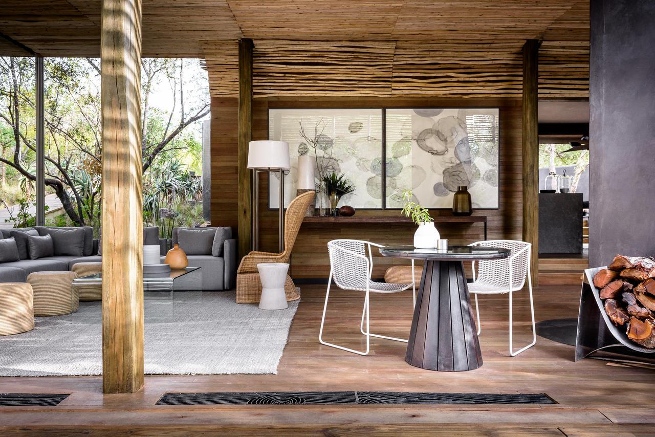 singita-lebombo-lodge-villa-lounge.jpg