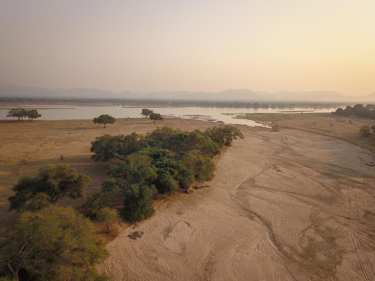 Sapi_River_and_Zambezi_View1-Chikwenya-CC-2018-8.jpg