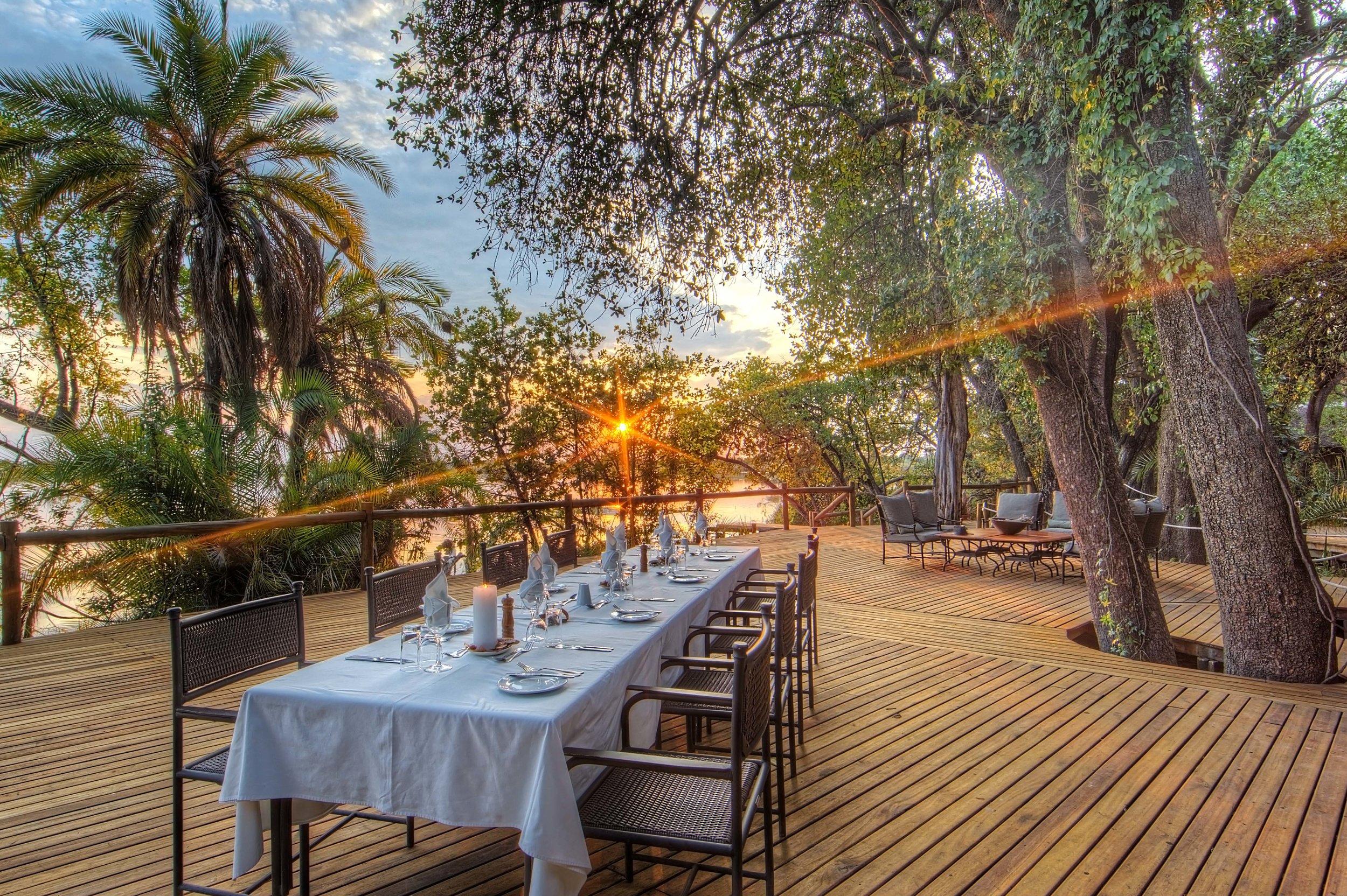 xugana-island-lodge-outdoor-dining1.jpg