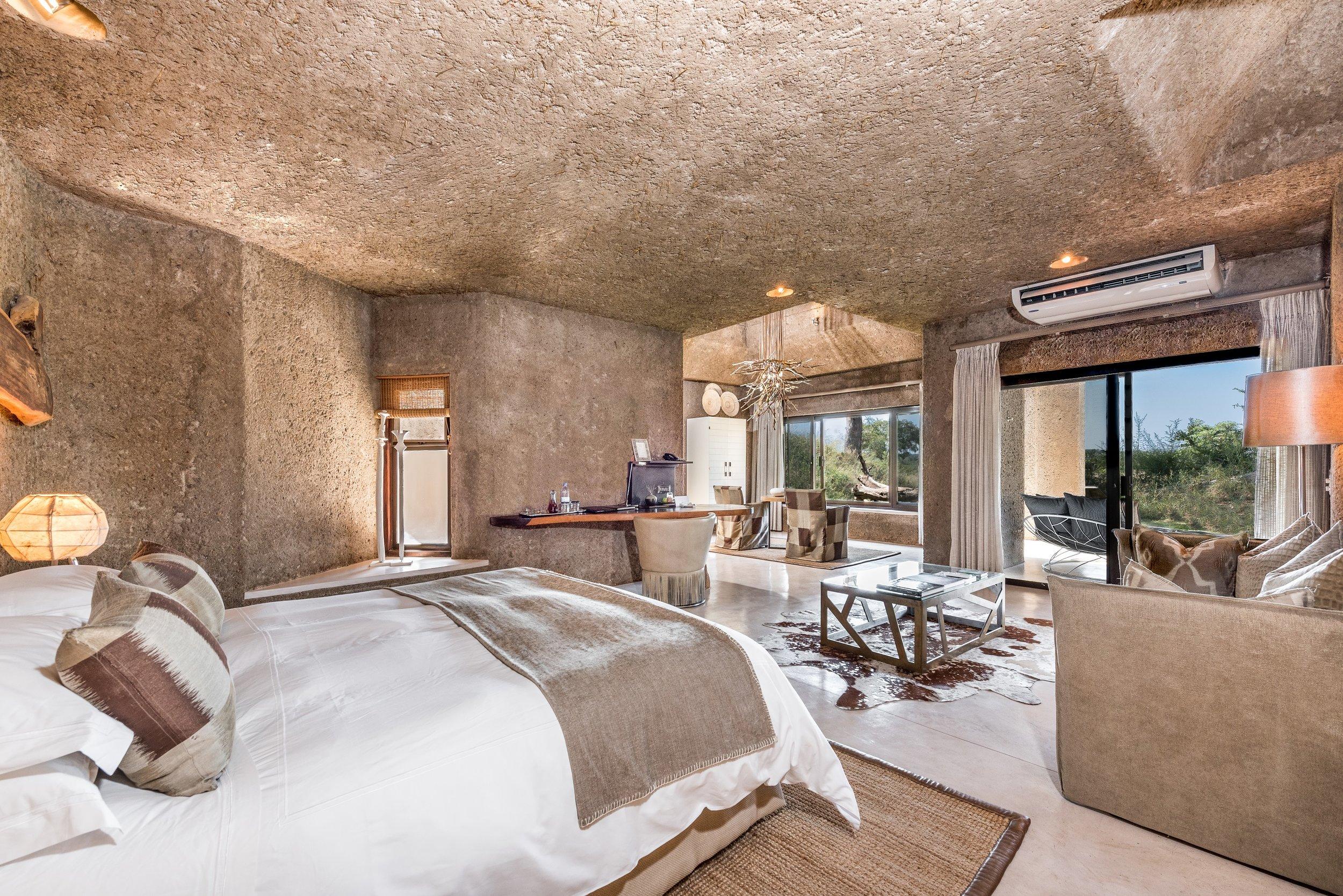 earth_lodge_luxury_suite_2.jpg