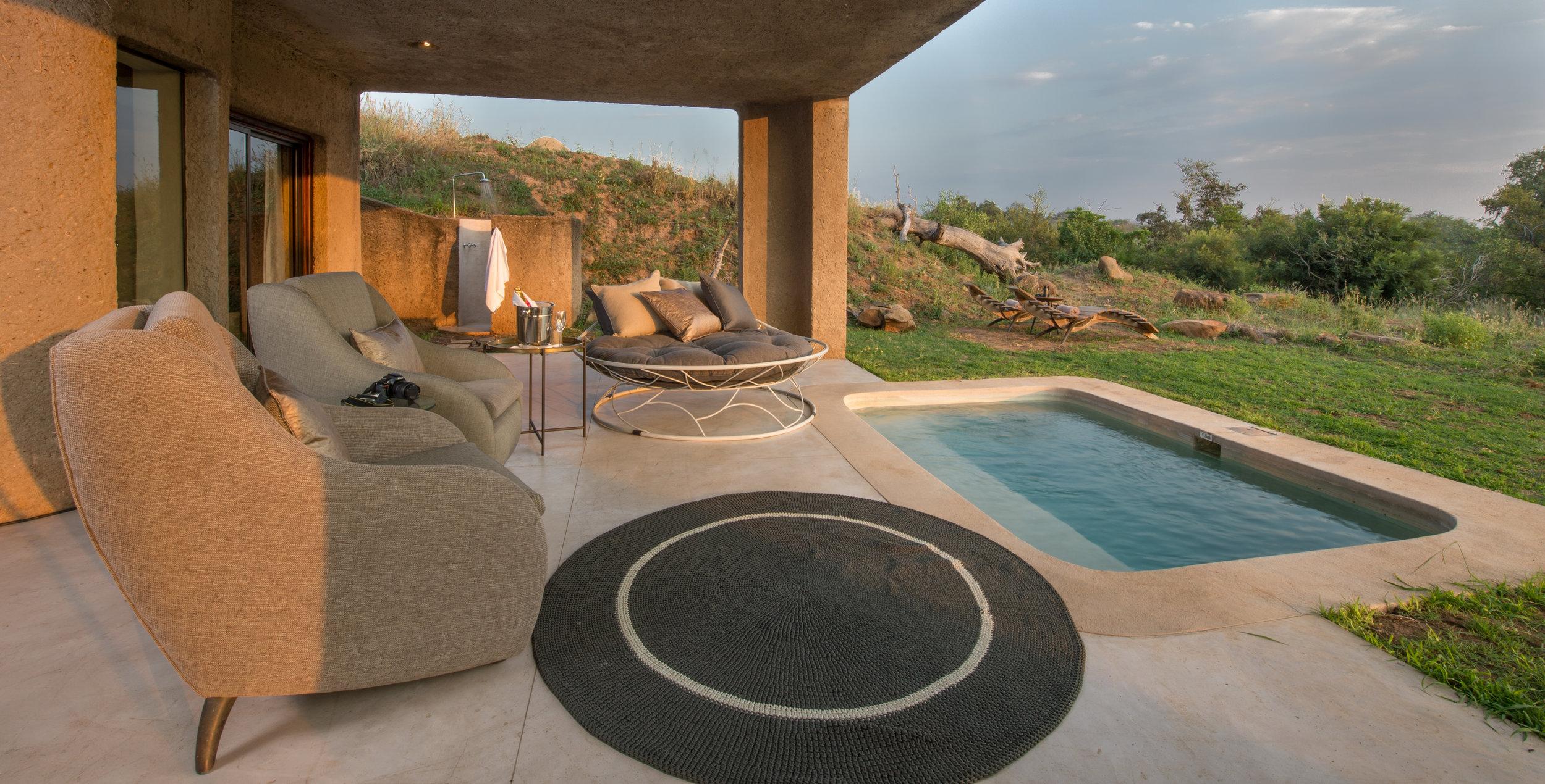 earth_lodge_-_suite_patio1.jpg
