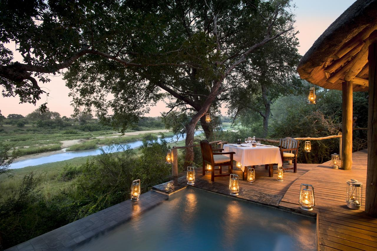 dulini_river_lodge_suite_private_dining.jpg