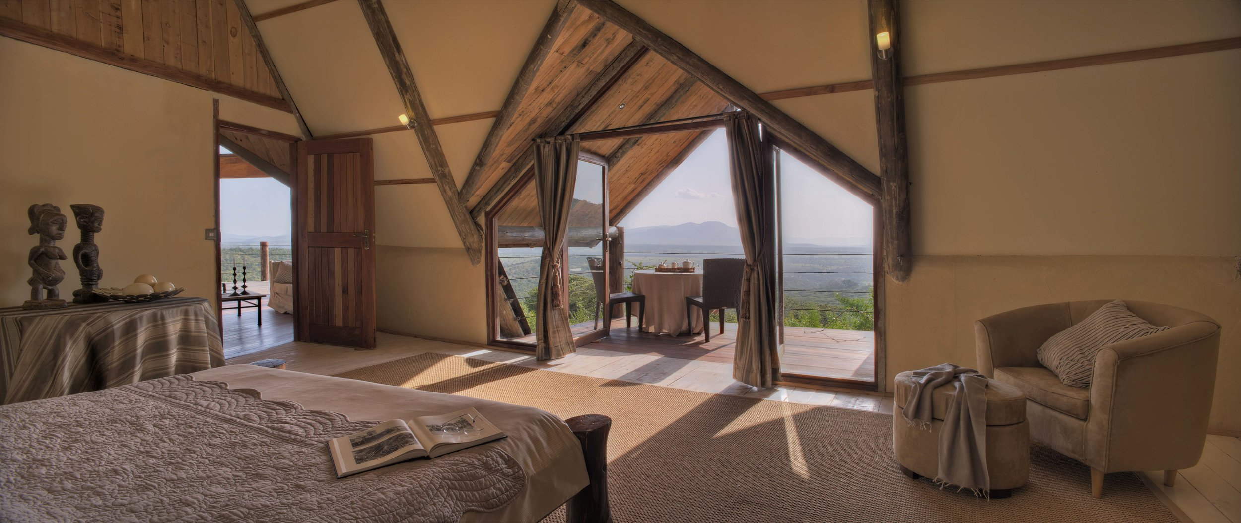 Cottars Private House - Bedroom Upstairs.jpg