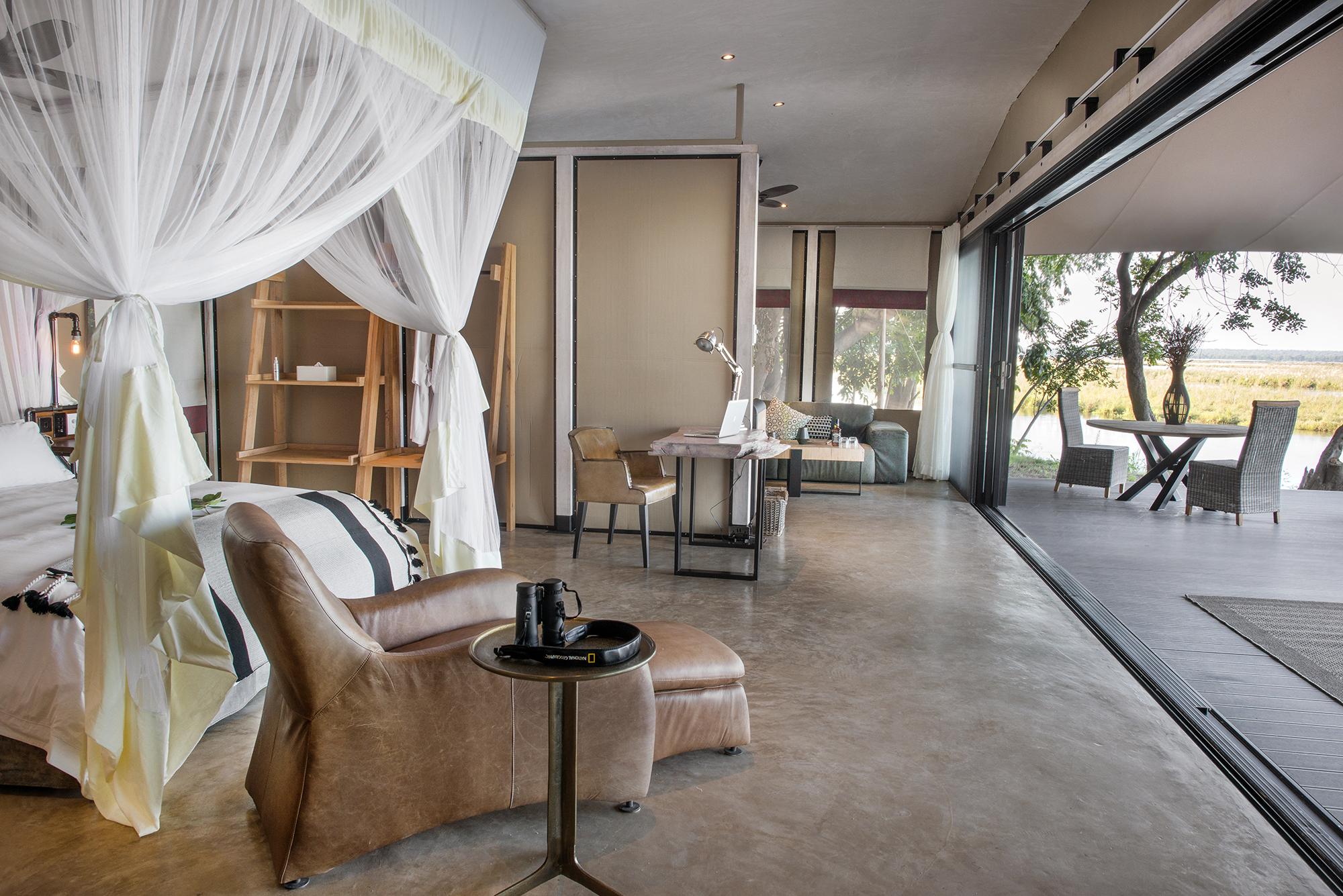 luxury_suite-_2.jpg