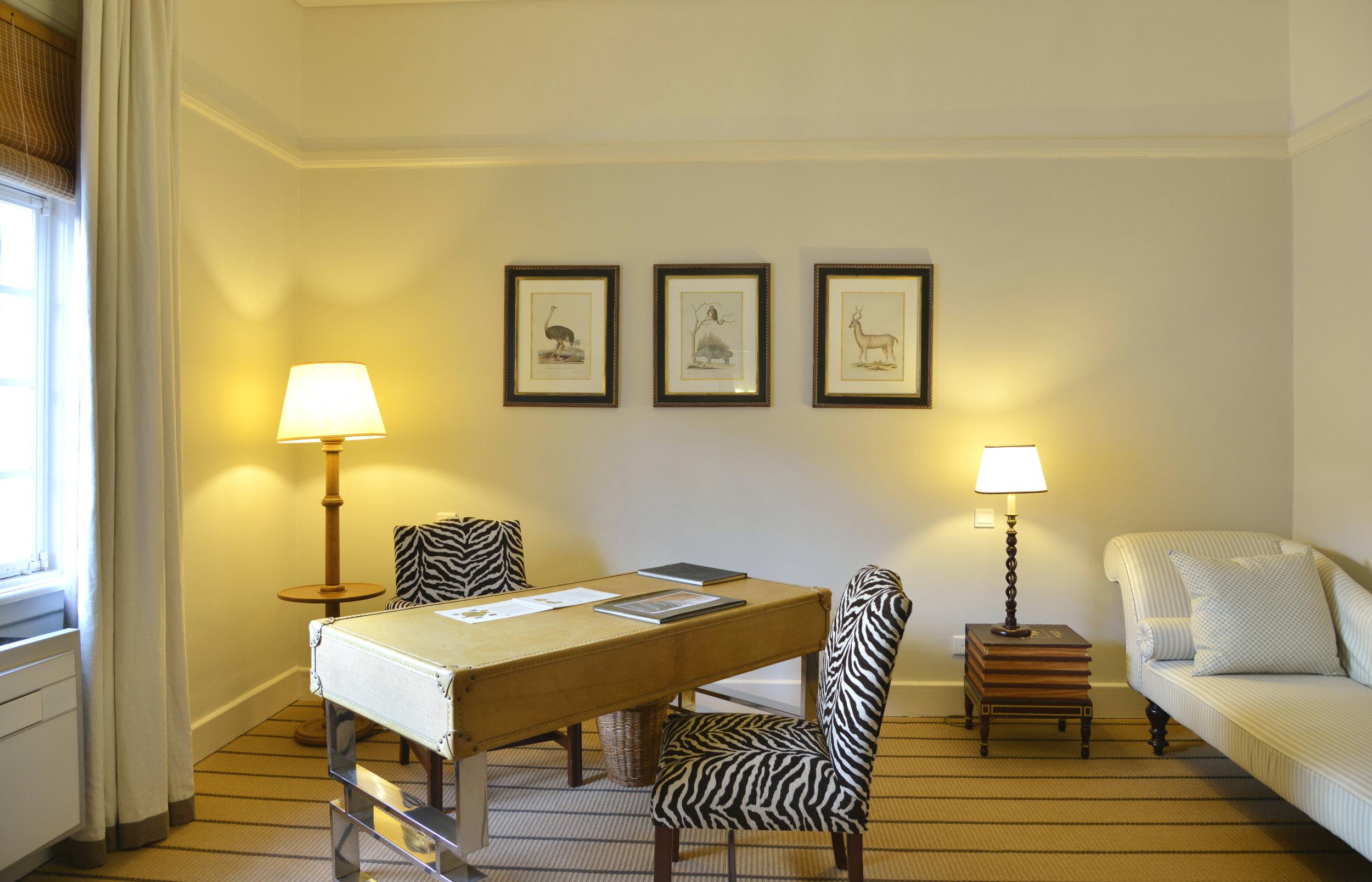 9-presidential-suite-study1.jpg