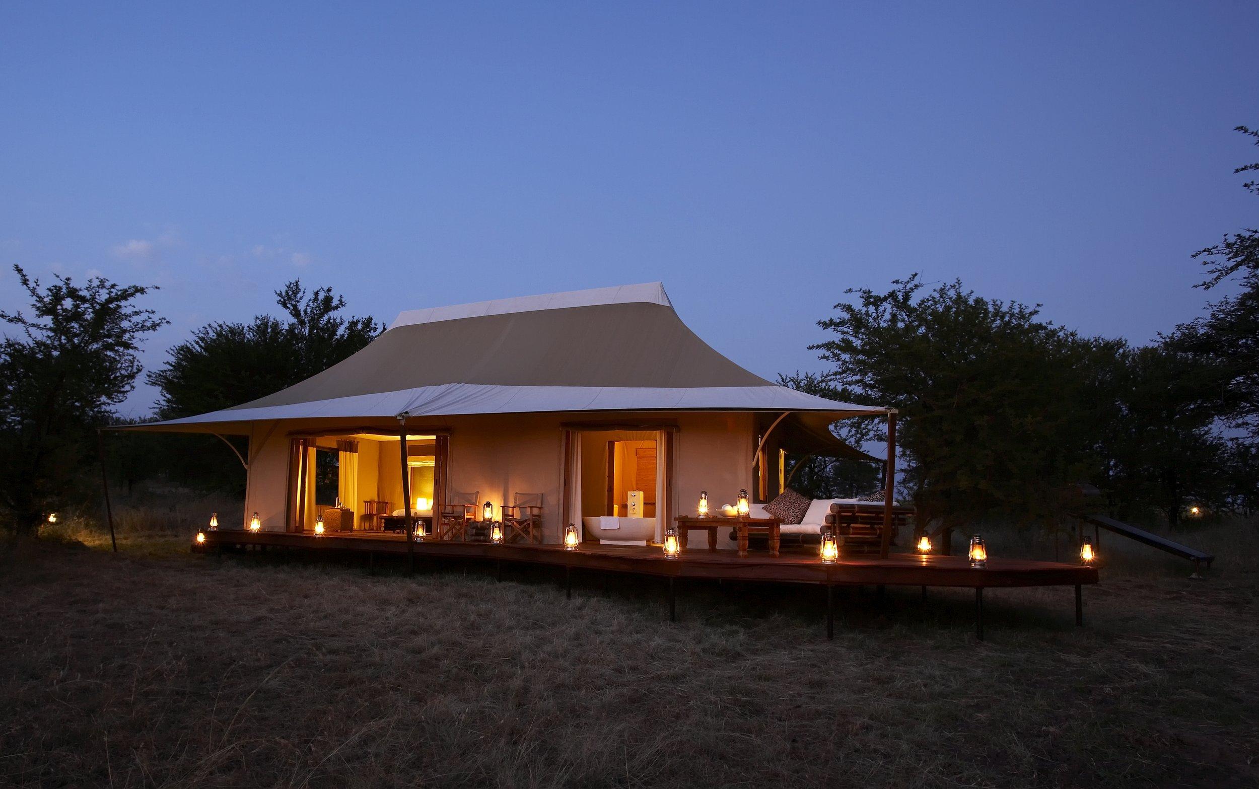 Sayari-Camp-guest-tent-exterior-nightview.JPG