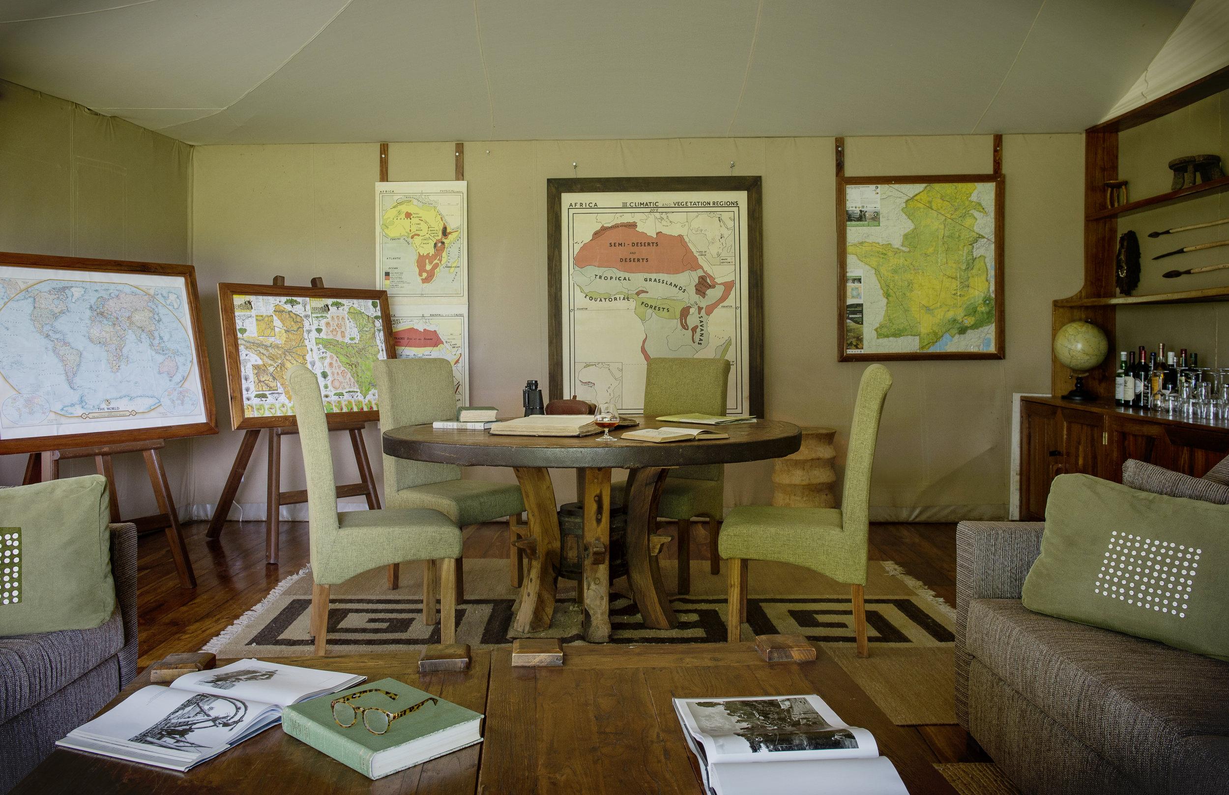 Sayari-Camp-Map-room-interior-2-Eliza-Deacon-MR.jpg