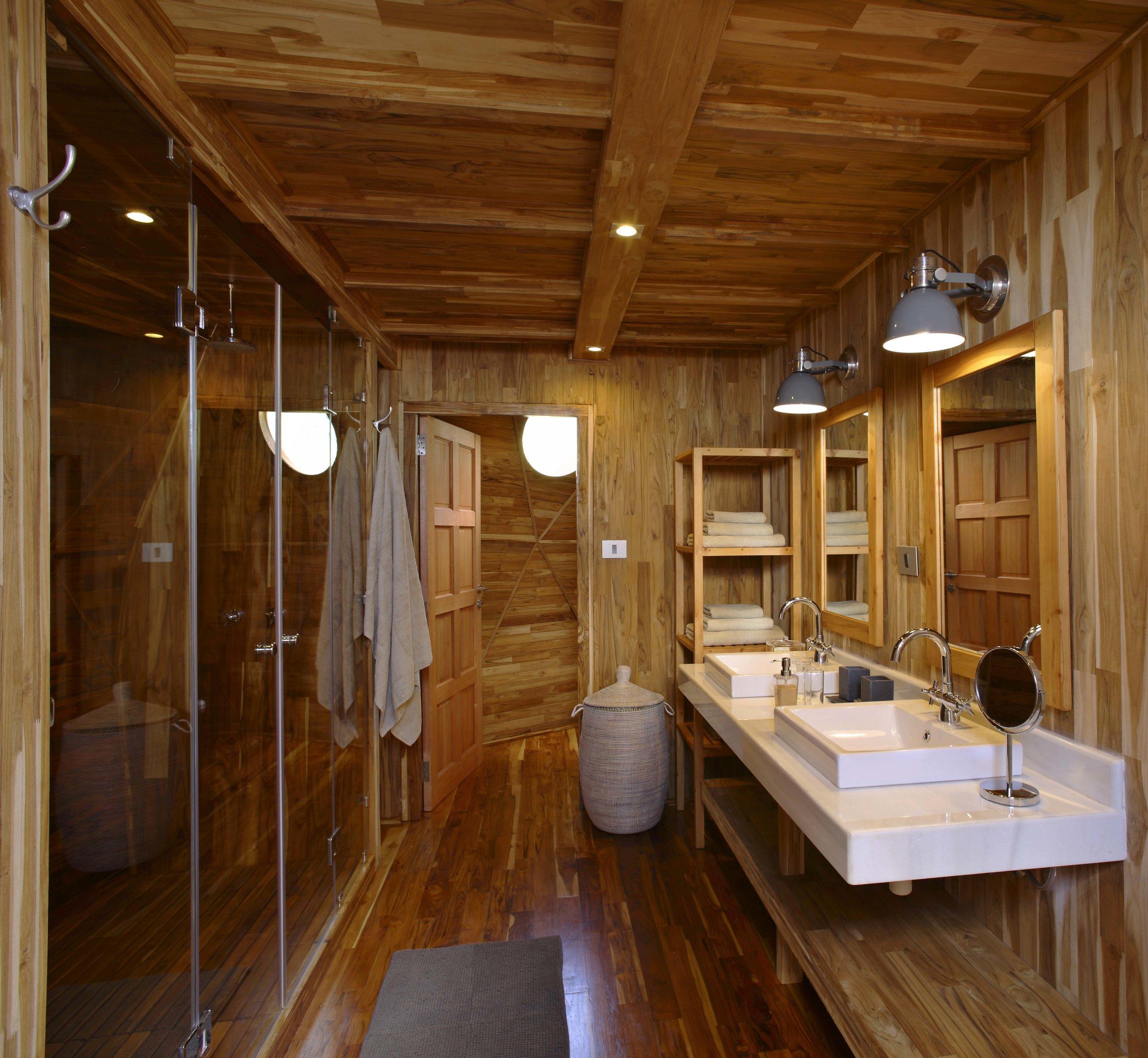 The-Highlands-bathroom.jpg
