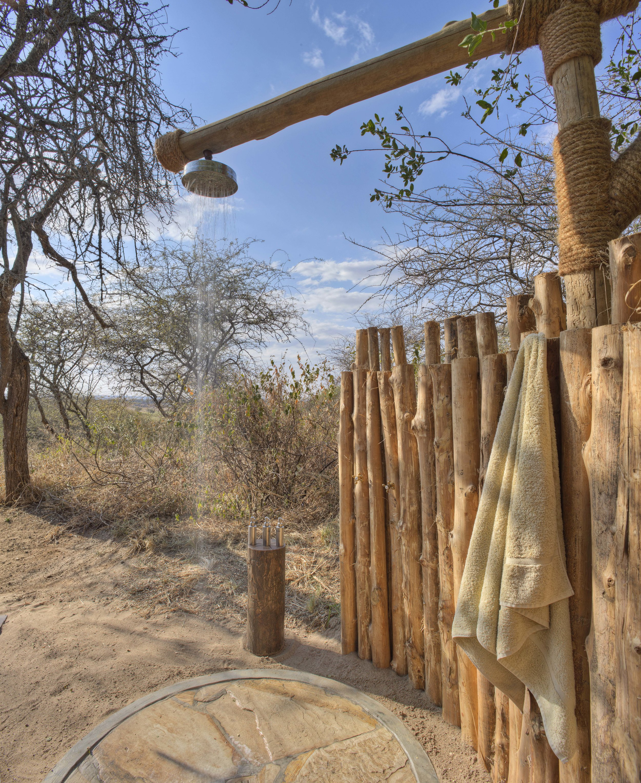 Olivers-camp-outside-shower.jpg