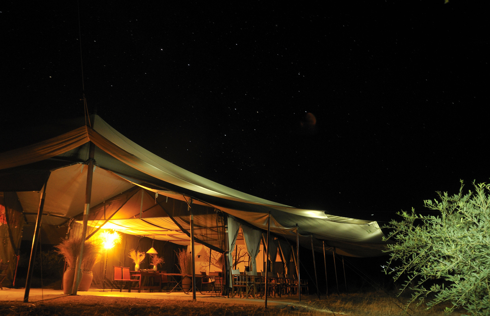 Kwihala-Camp-mess-tent-night-LR.jpg