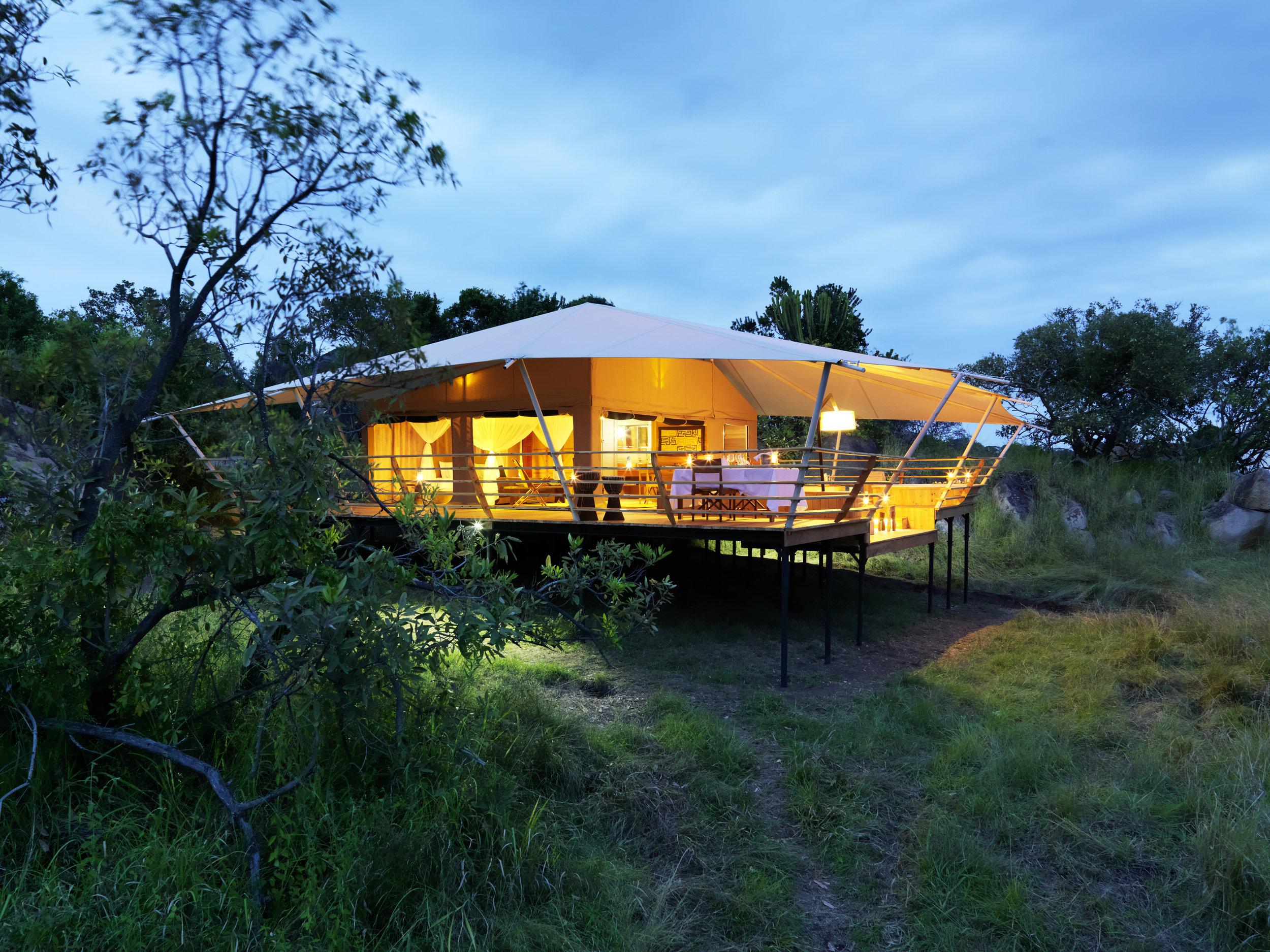 5 star permanent camp - serengeti bushtops camp