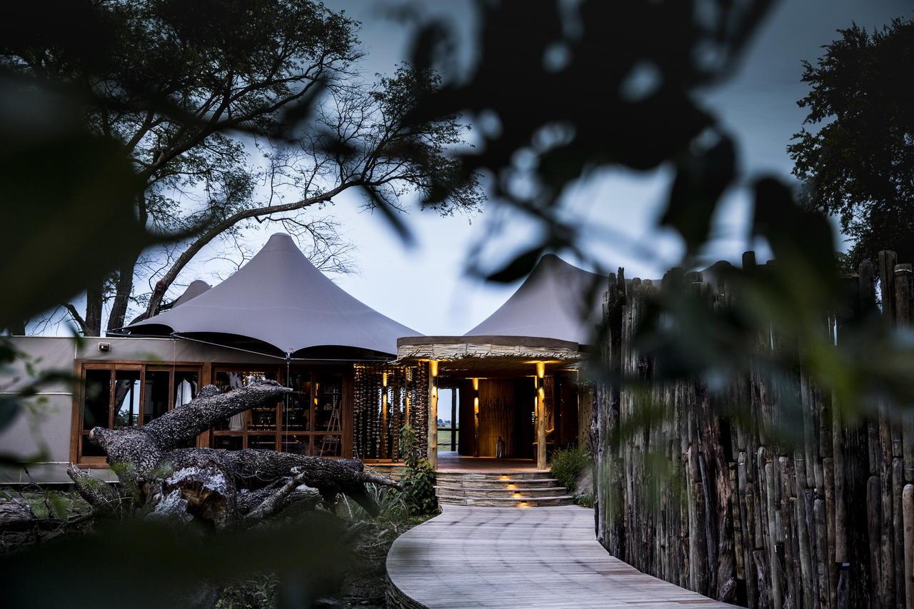 okavango delta - botswana - mombo camp
