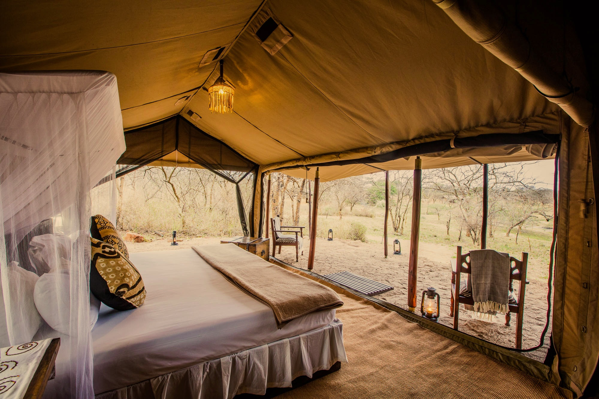 legendary expeditions - mwiba tented camp