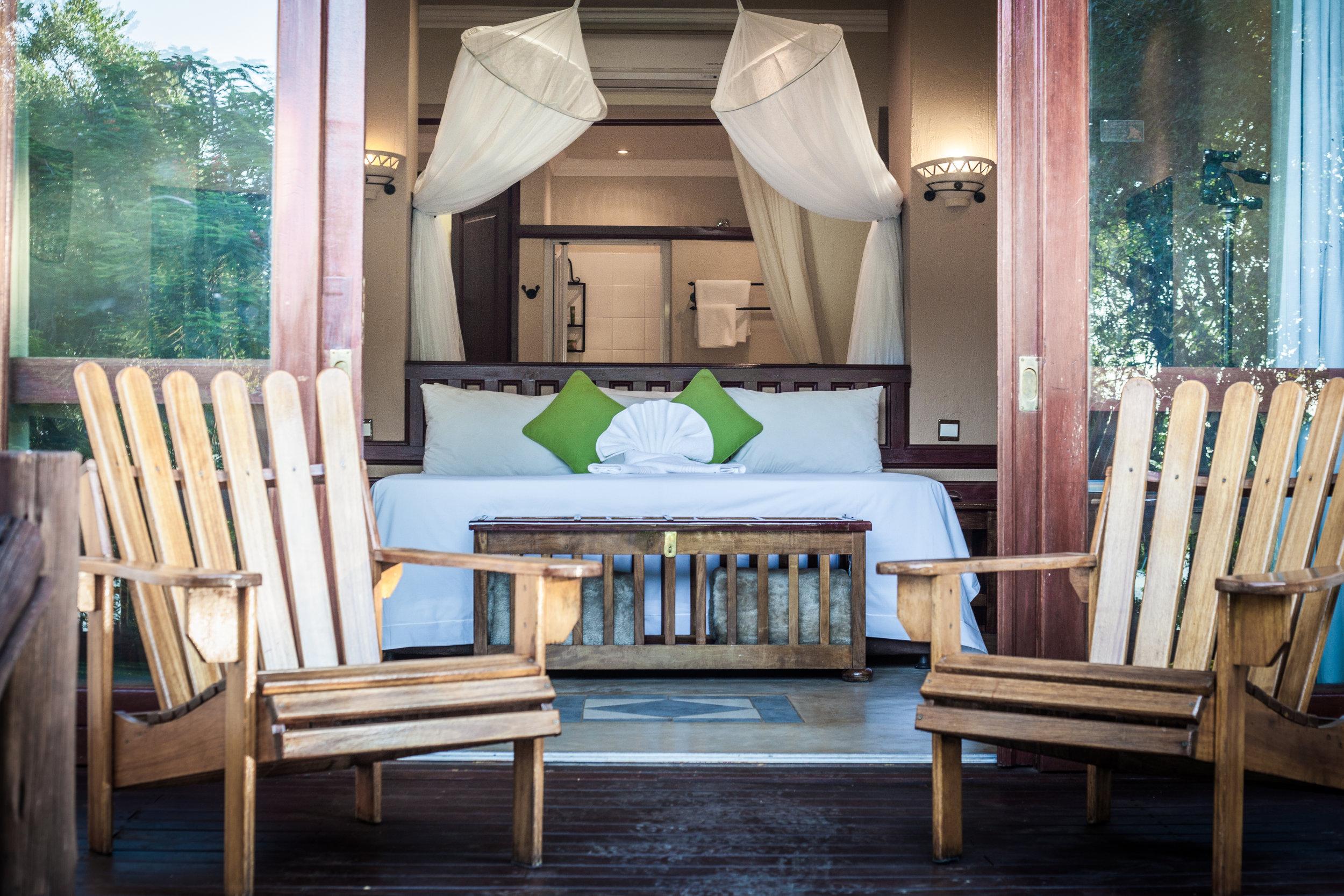 top chobe camps & lodges - chobe safari lodge