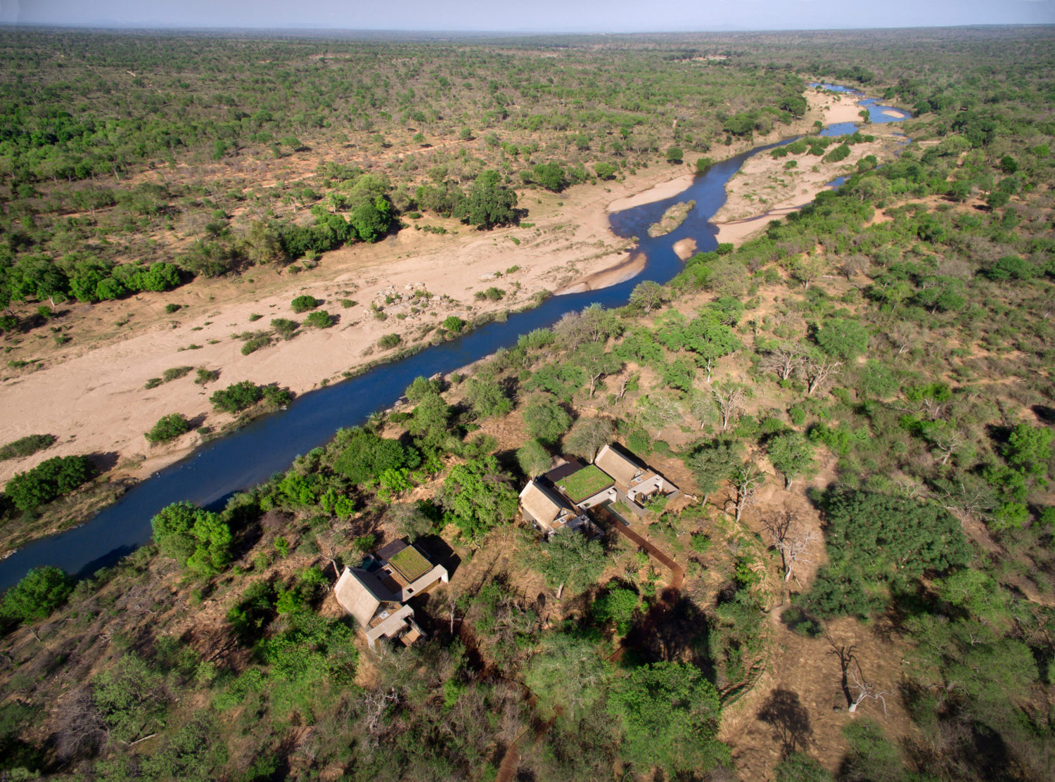 ivory_lodge_-_aerial_view2_preview_maxwidth_1500_maxheight_1500_ppi_300_quality_100.jpg