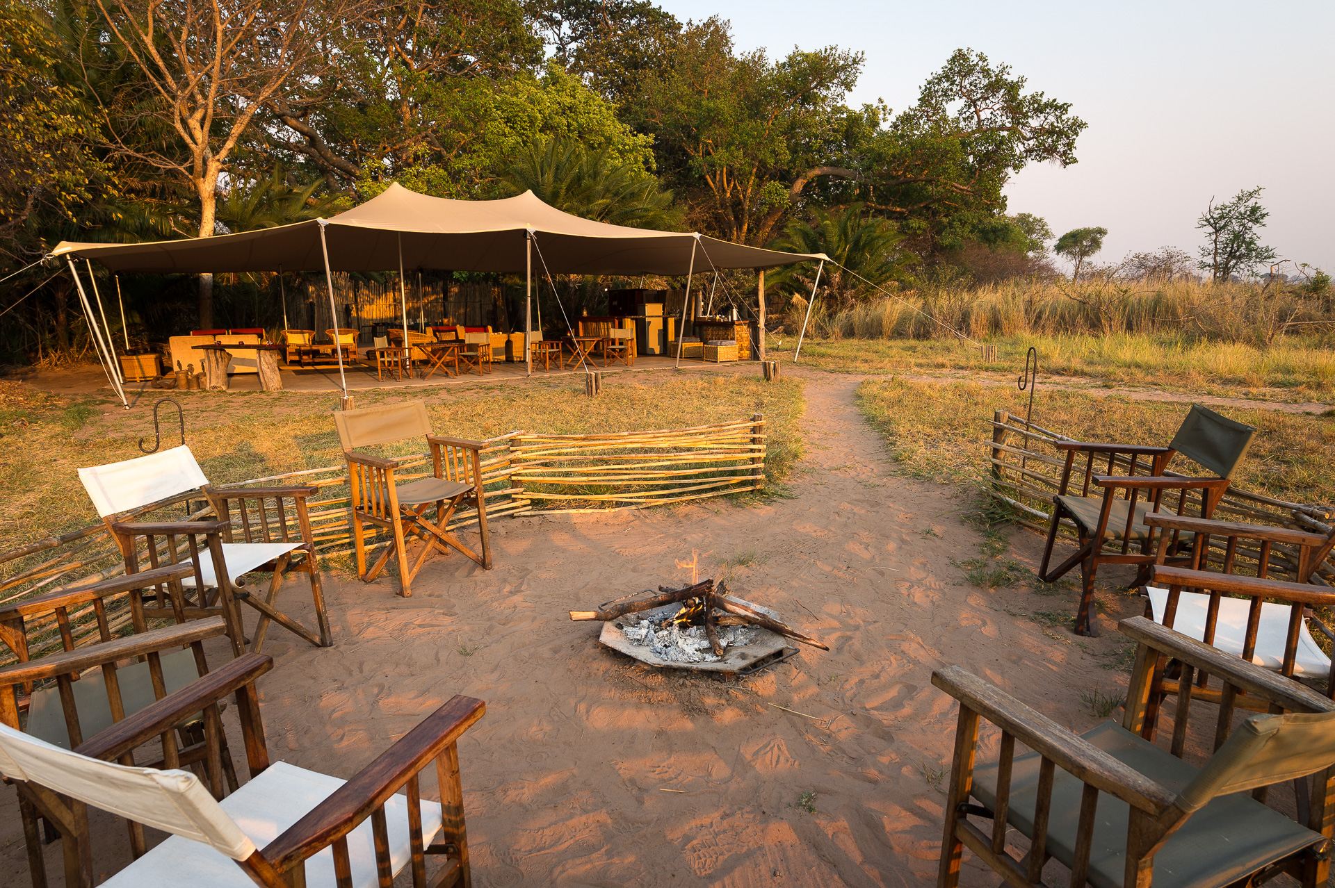lower zanbezi national parkb - busanga camp