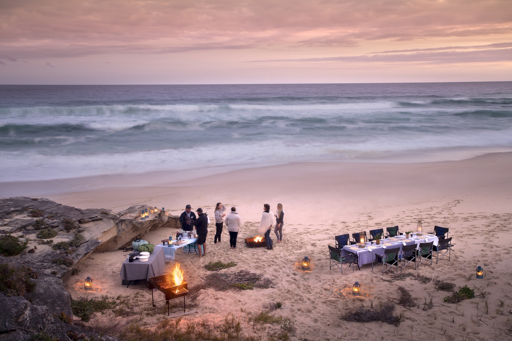 32lekkerwater_beach_lodge_-_dinner_and_sundowners_on_the_beach.jpg