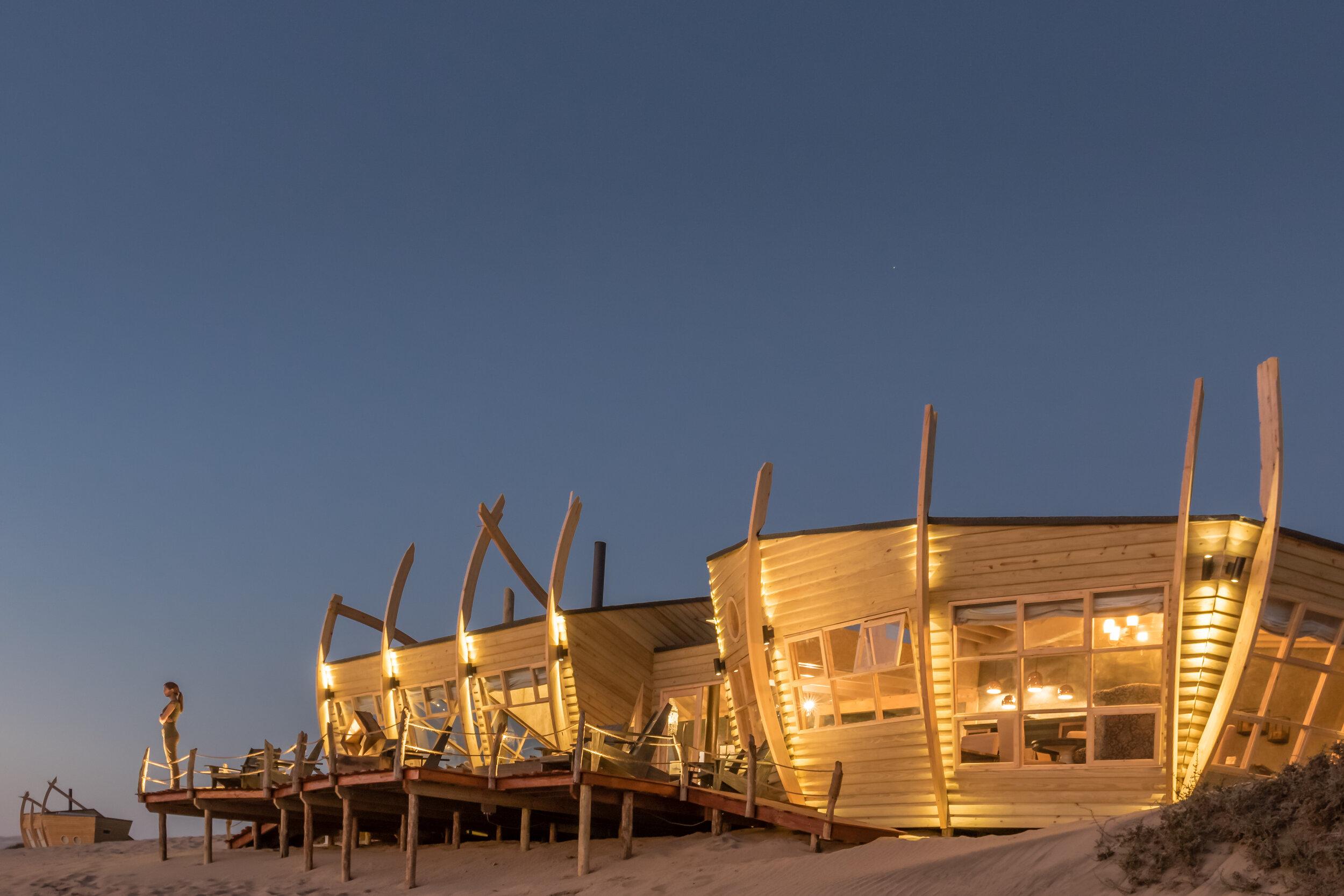 namibia - skeleton coast - shipwreck lodge