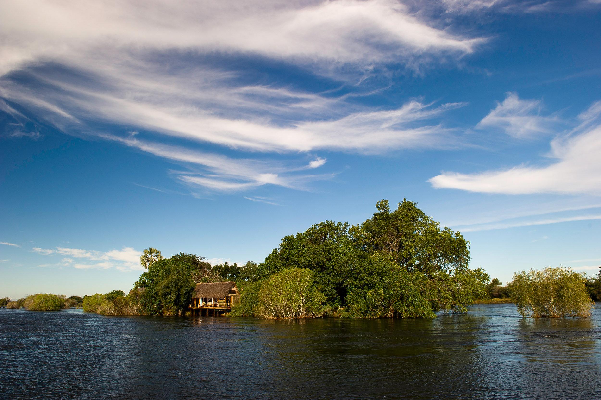 victora falls - zambia - sindabezi island
