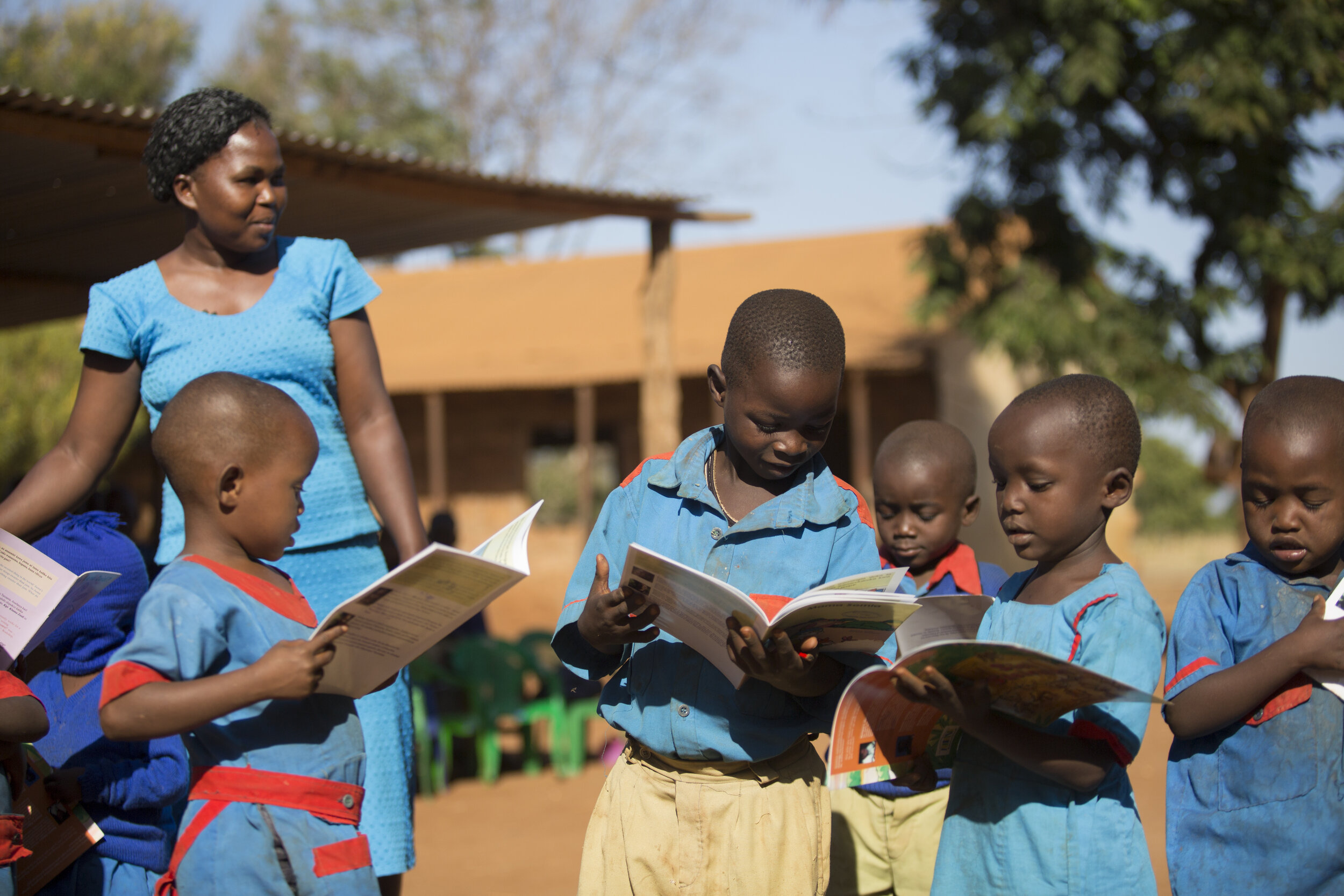 elsas_kopje_-_community_-_conservation_education_at_ura_gate_primary_csilverless-16.jpg