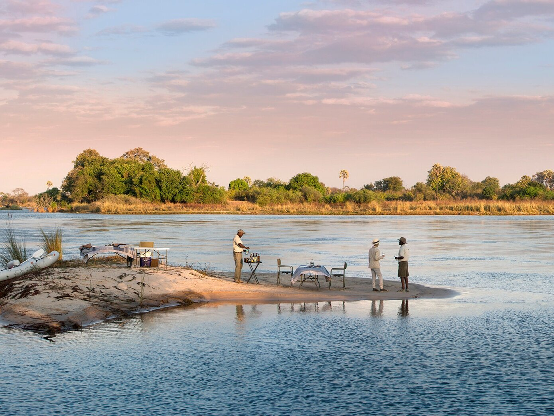 our top zimbabwe safaris - luxury