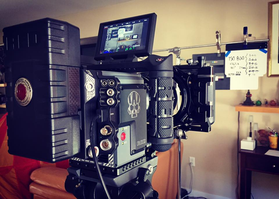 RED Scarlet-w Camera Package - Includes 5K camera body with Canon mount, 4.7″ LCD touchscreen, Switchblade, 480 and 120-gig mini mag, card reader, top and side handle, standard, low light, and skin tone OLPFs, 2 Redbricks, and charger.$200 Per Day
