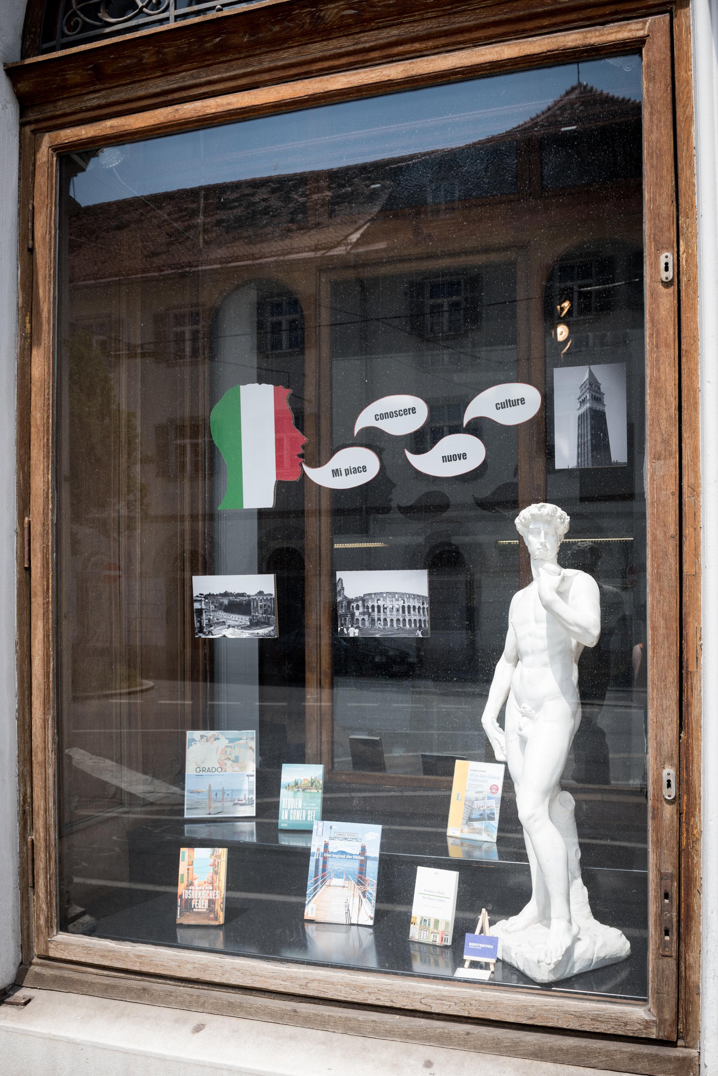 Kontrastvoll-Schaufenster-Hauptbibilothek-Graz-Foto-Andy-Joe-2.jpg