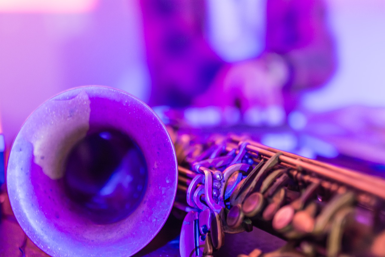 Background jazz artist - Perfect for adding a cool, relaxed ambience to your reception