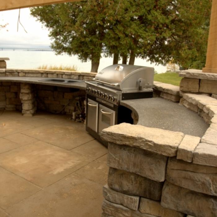 outdoor_kitchen3-square.jpg