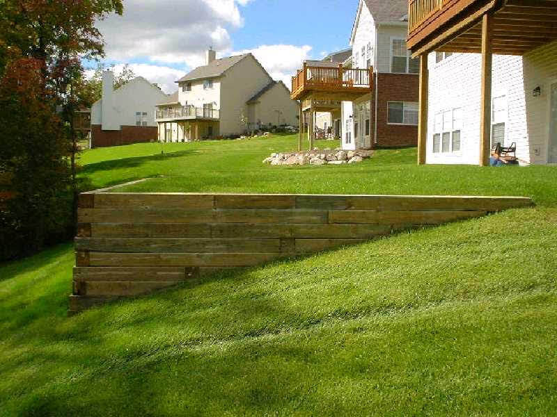 Timber Wall to level back yard.jpg
