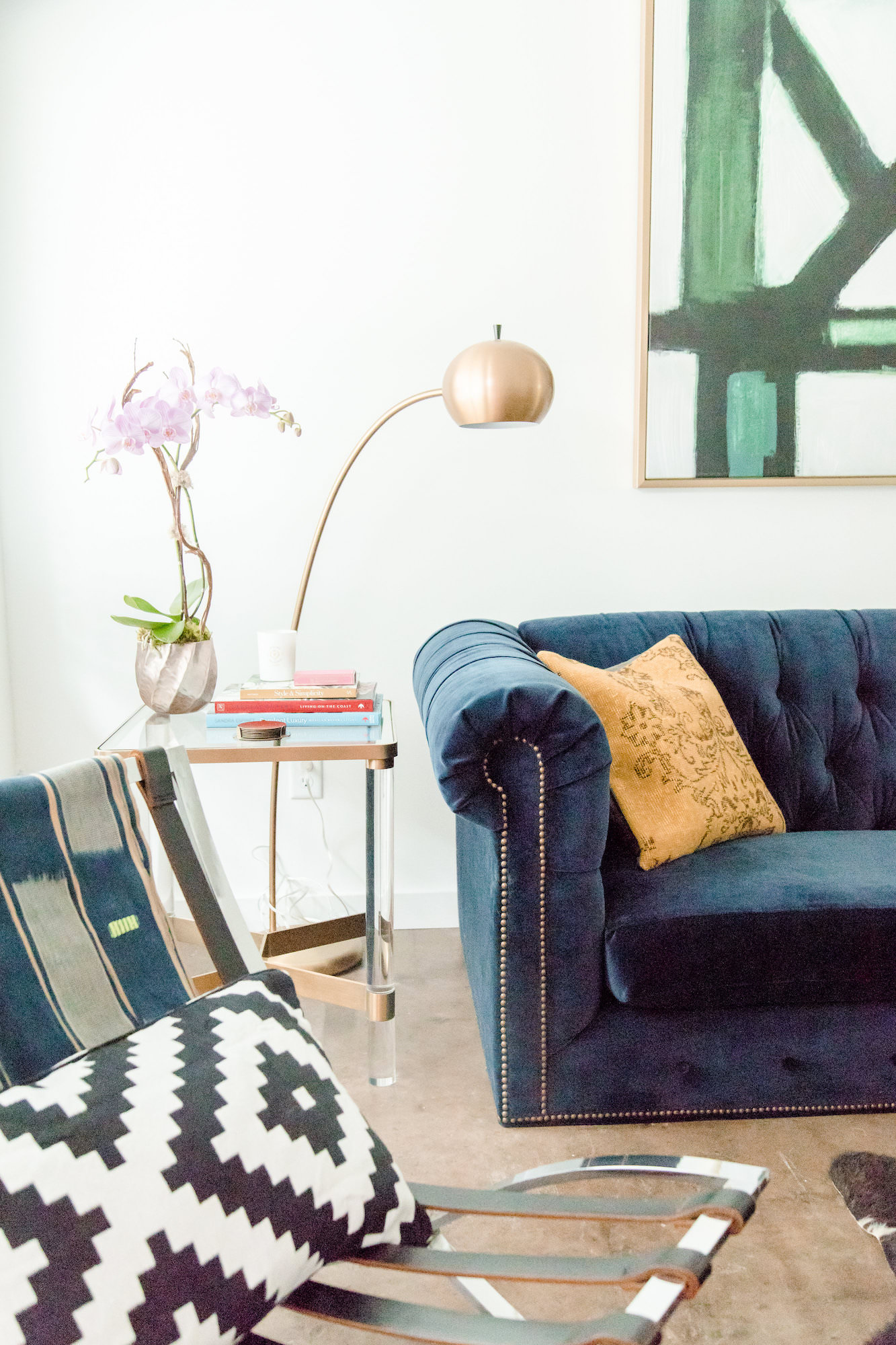 mid-century-modern-vacation-rental-living-room-blue-couch-web-resolution.jpg