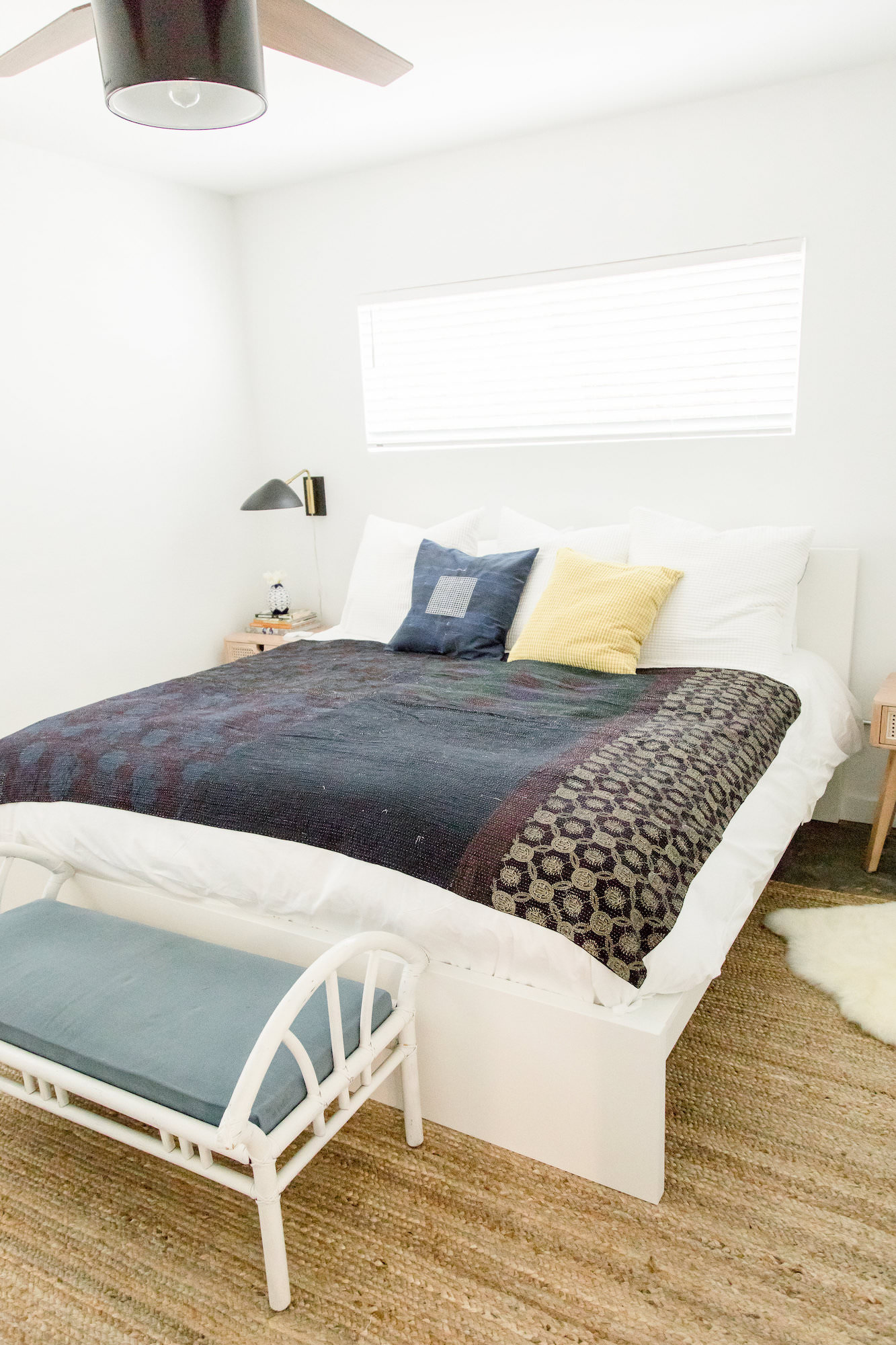 mid-century-modern-vacation-rental-white-bedroom-blue-comforter-web-res.jpg