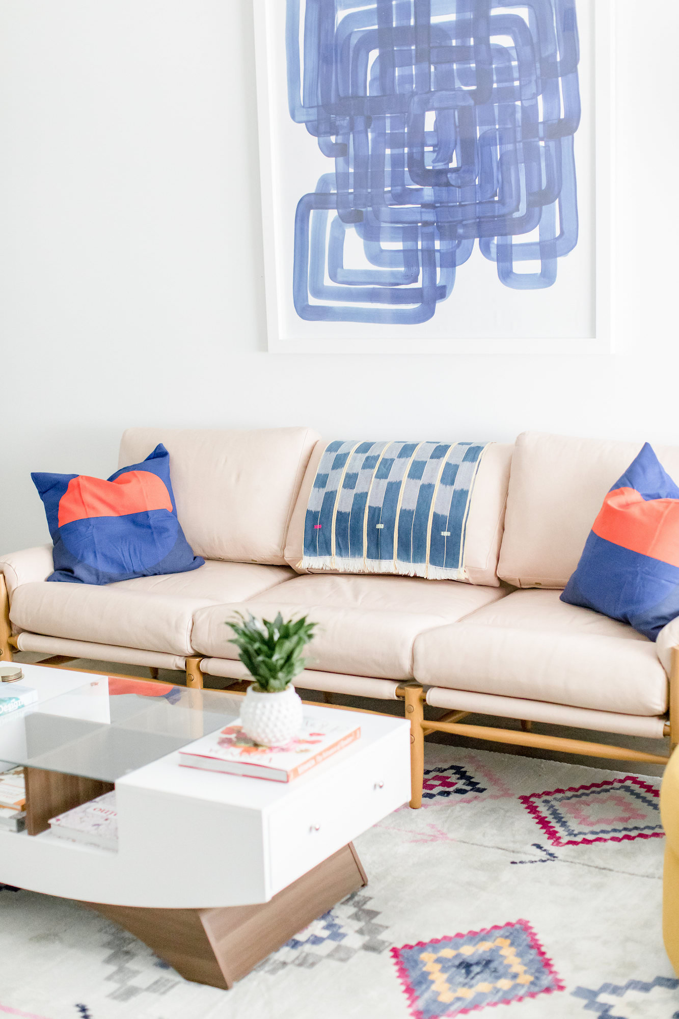 mid-century-modern-vacation-rental-the-park-leather-couch-modern-art-web-res.jpg