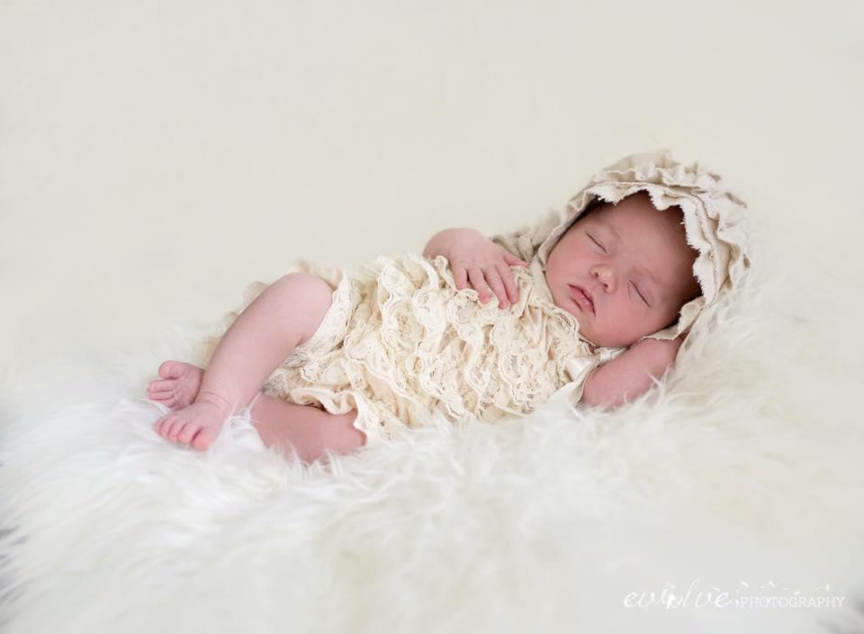 selah newborn.jpg