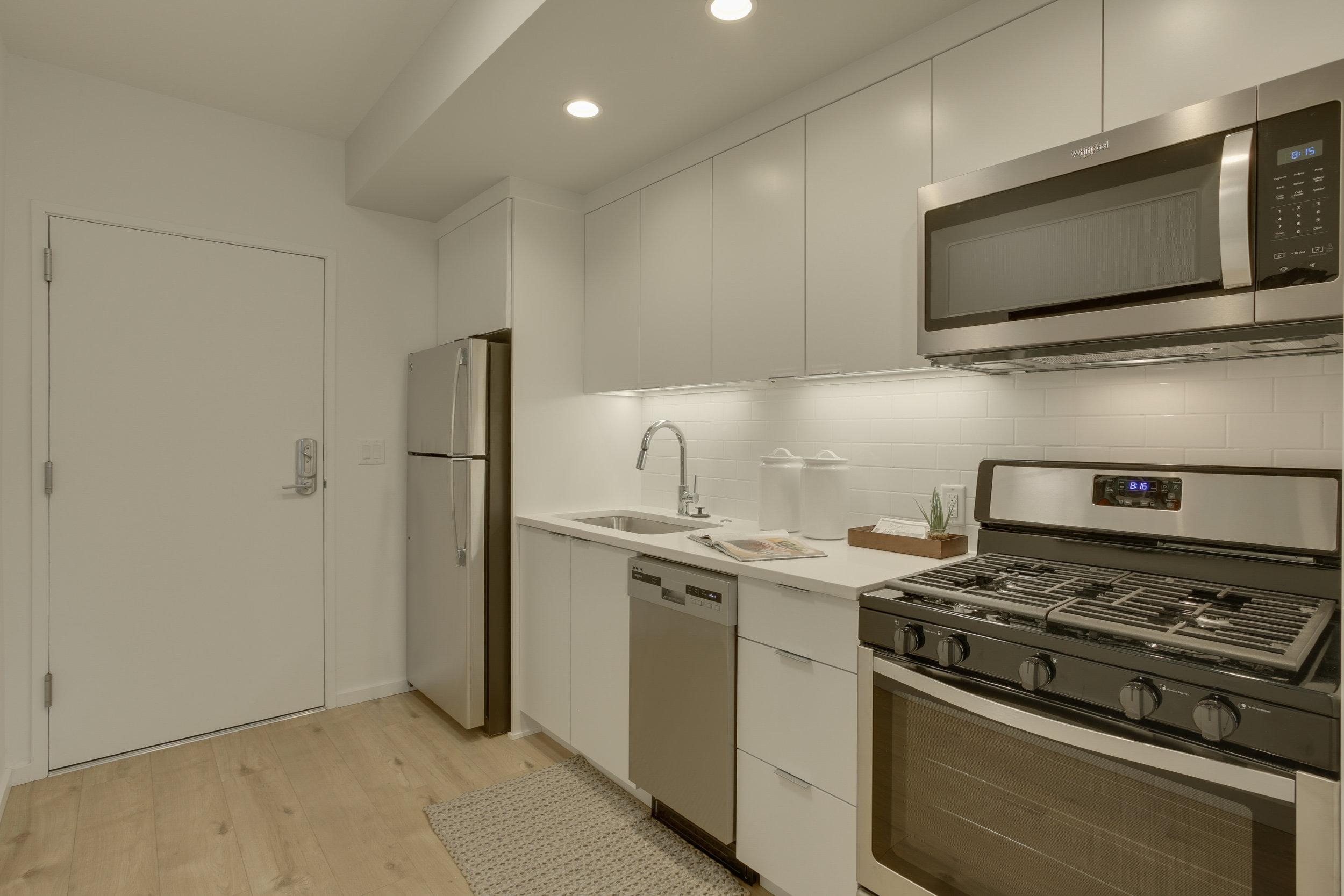 17 kitchen2 102.jpg