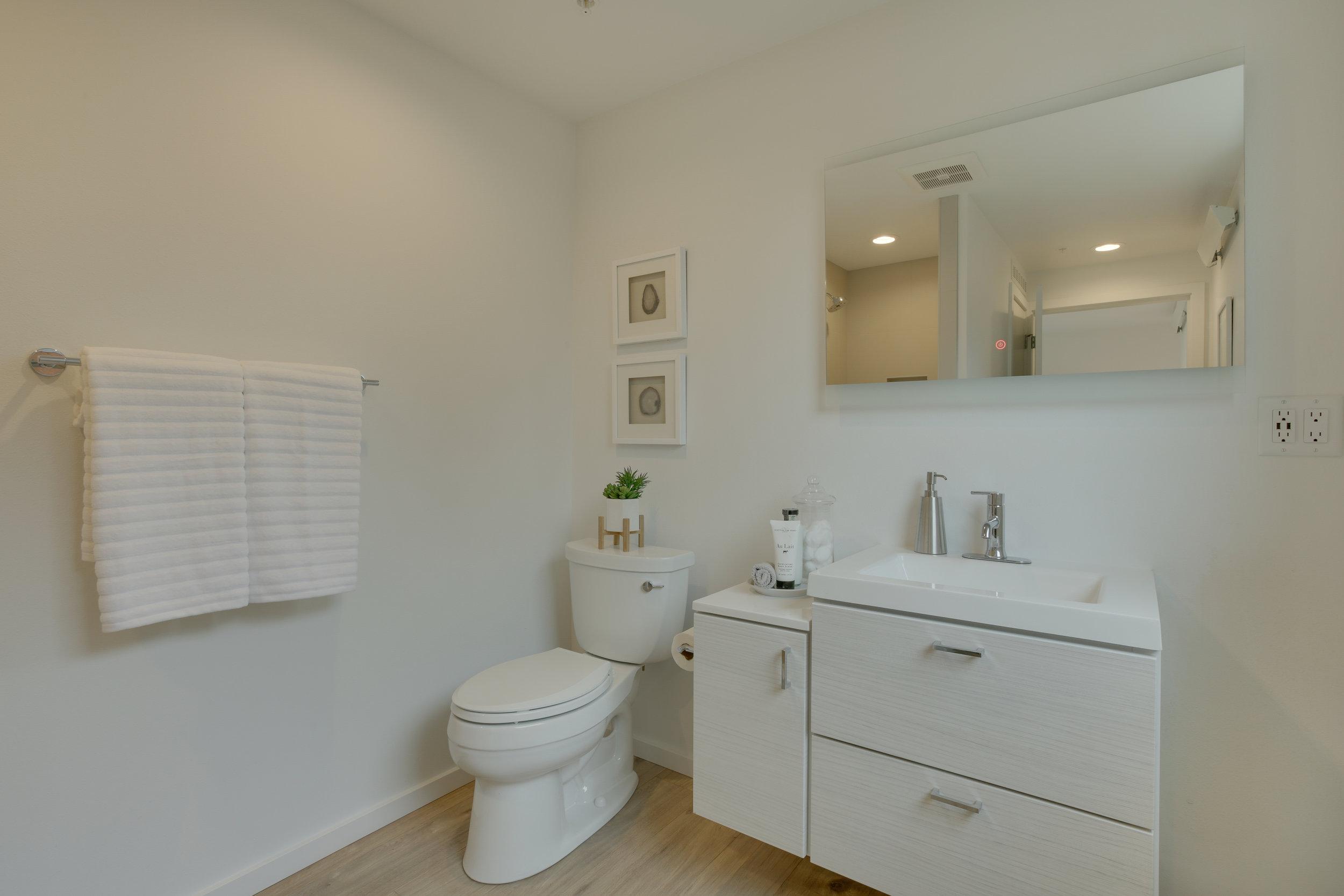 22 bath unit 102.jpg