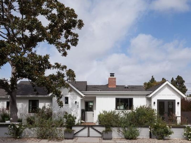 Costa Mesa Modern Farmhouse
