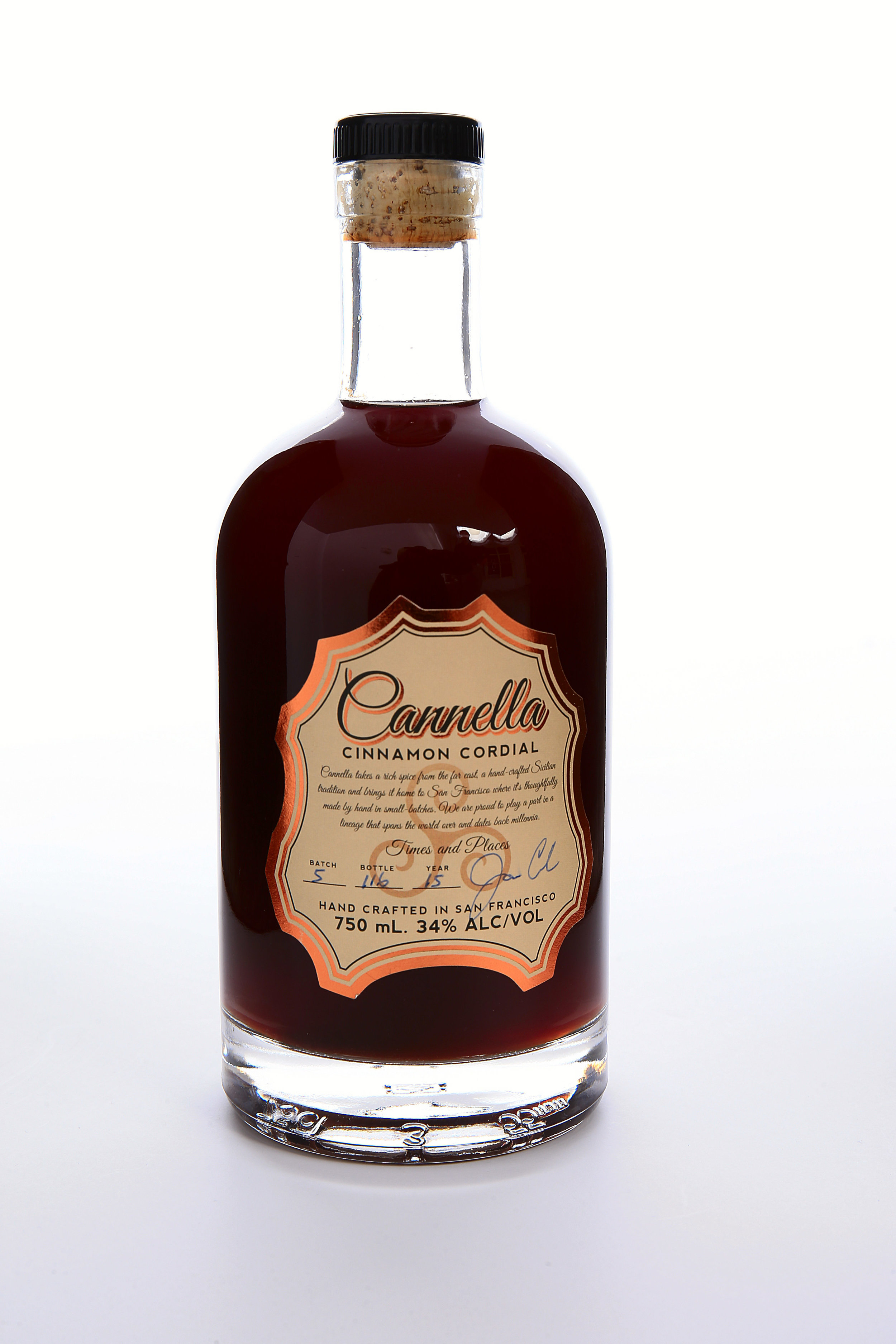 Cannella Cinnamon Cordial Bottle (1).jpg