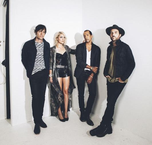Metric On The Move Lone Sound Magazine Magazine Music Culture Texas