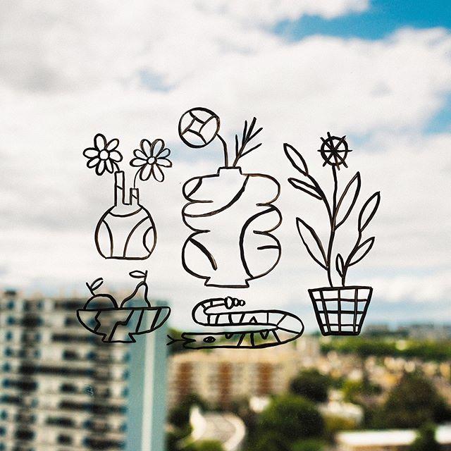 @studio_vraimentsympa ✨ . @poscagallery + vitre . #streetart #rennes #posca #art #illustration #design #sketch #creative #artwork #inspiration #artist