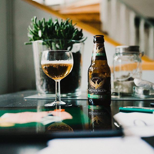L'équipe de @Grimbergenfr m'a contacté pour me faire découvrir leur nouvelle Pale Ale (sans réfléchir j'ai dis oui ahah). En été, je délaisse totalement les bières amères (IPA) pour les blanches et celle-ci est le parfait entre-les-deux, à la fois corsée et rafraîchissante. . Pour fêter le lancement de cette nouvelle saveur, @grimbergenfr organise un afterwork au bar Le Champ Jacquet, mardi 13 août de 18h à 22h. On y sera avec @lajoliedenise et ça peut être la bonne occasion pour parler de créativité et d'illustration autour d'une bonne bière fraîche. À mardi ! . #Grimbergen #GrimbergenPaleAle #GrimPaleAle #AfterworkPaleAle #Travailleursdelété #publicité L'abus d'alcool est dangereux pour la santé, à consommer avec modération