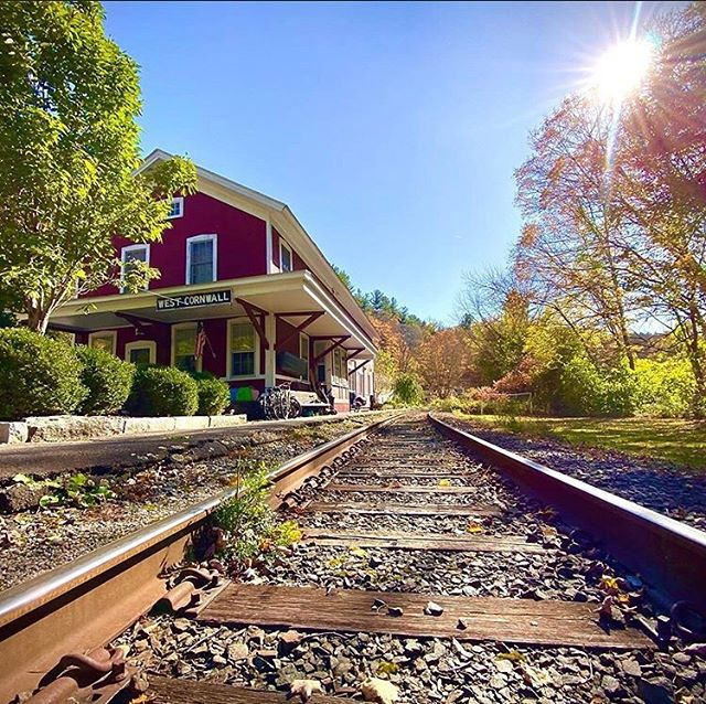 Nice shot of the old West Cornwall railroad station (now home to @oneeleven_group) by @the_nater_tot •  #repost @the_nater_tot with @get_repost ・・・ #westcornwall #railroad #connecticut #fall #autumn #fallcolors #bluesky #naturephotography #nature #travel #travelphotography #outdoors #outdoorphotography #outdoor #travelgram #travelling #traveller • #litchfieldhills #considercornwall