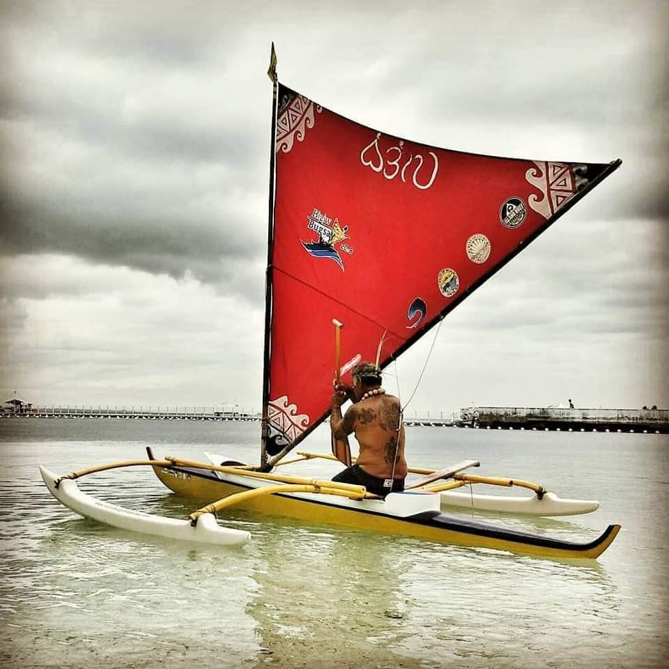 Kimokeo kapahulehu blesses first 6-man Hawaiian outrigger canoe in cebu, philippines -