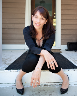 Interview with Amy Jo Johnson