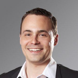 Simeon Pickers  - Expatriado alemán en México, con educación en medios de comunicación e informática, y especializaciones en investigación de mercados. Como managing director de Psyma Latina apoya a marcas internacionales entender los mercados latino-americanos.