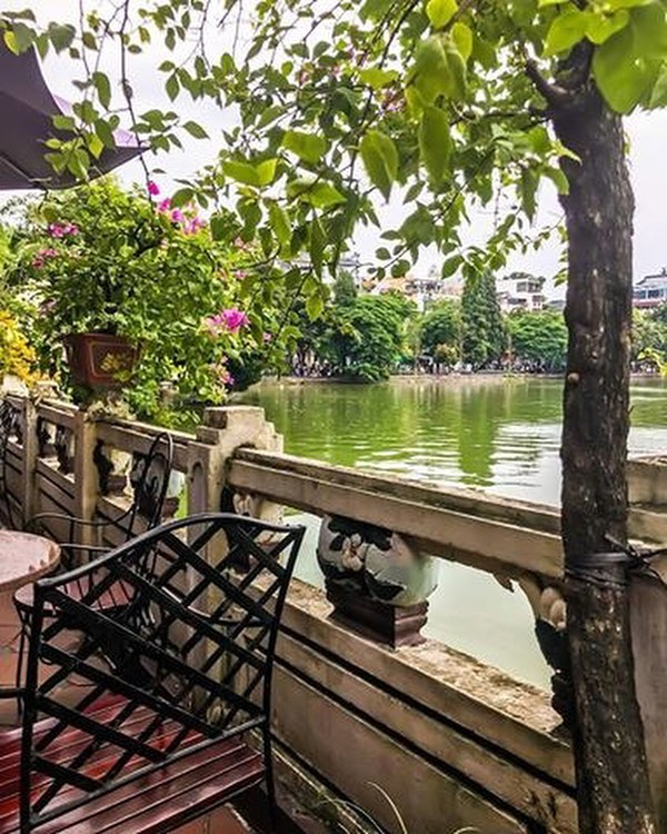 """Hope you are ready for some """"HANOI-ing"""" honeymoon posts!"""