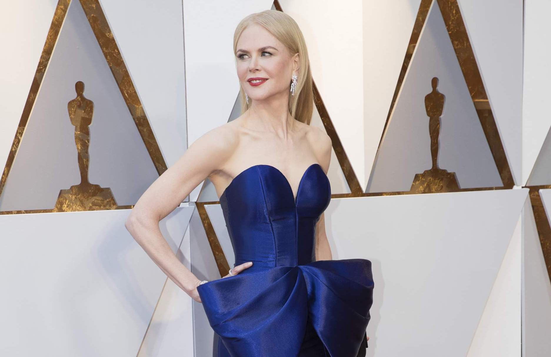 - The fashion report: Oscars 2018Nicole Kidman in Armani Privé: It would have been bold even in black, but the blue was electric. Bravo to Kidman and stylist Julia von Boehm.