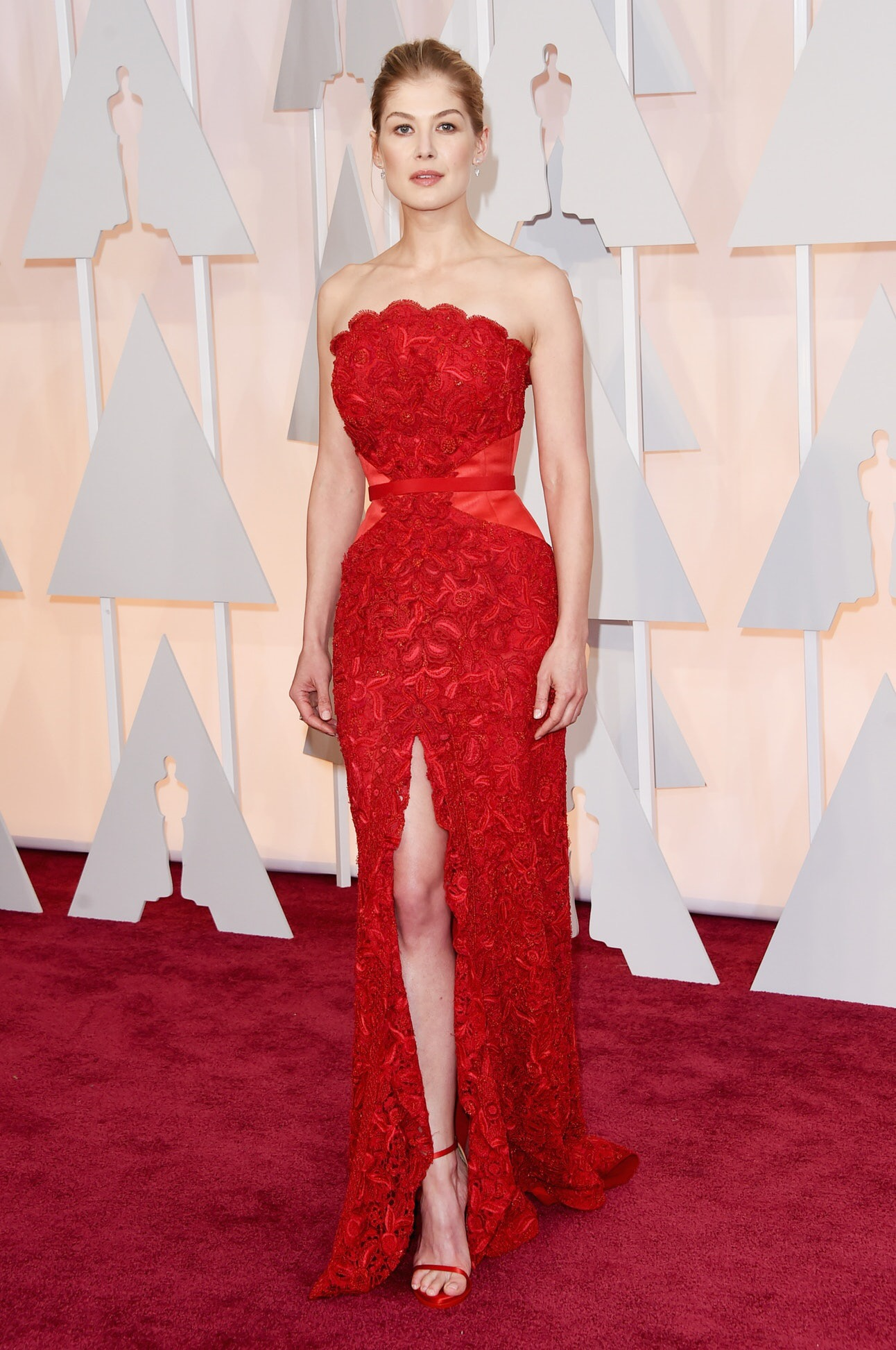 ROSAMUND PIKE, OSCARS 2015 in GIVENCHY